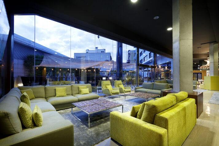 Lobby hotel SB Icaria - Sofás Izu y Butacas Kusu